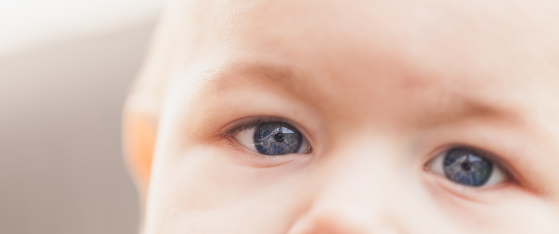 Cu bebe la oftalmolog
