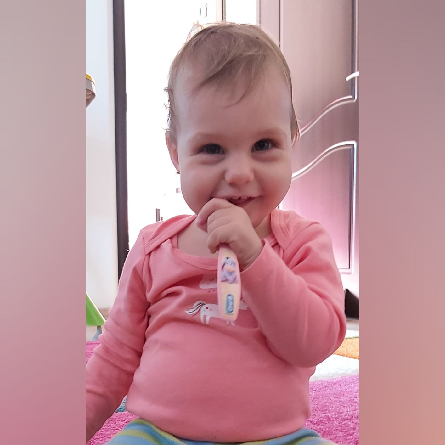 Bebe și spălatul pe dinți